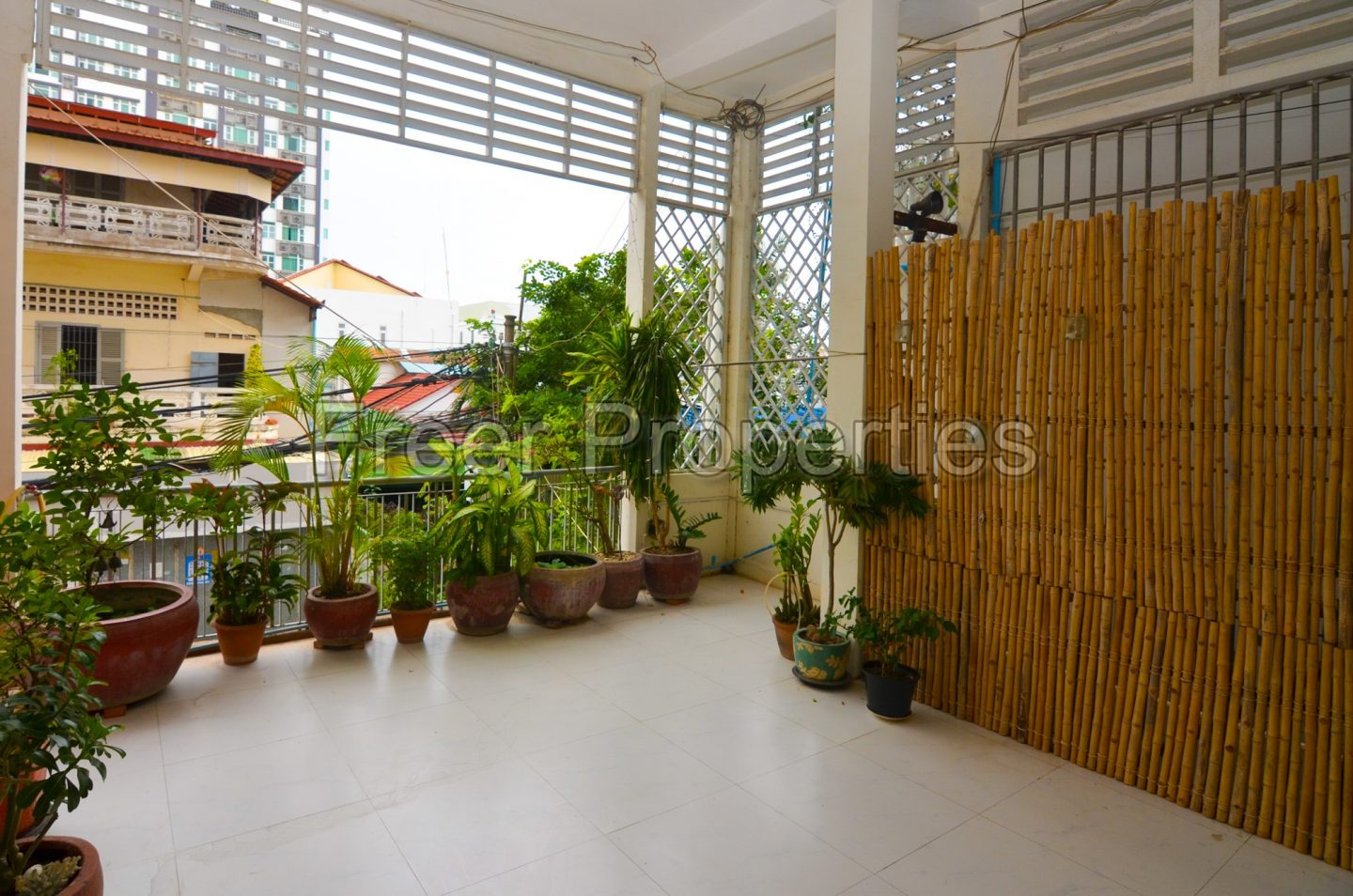 Large two bedroom flathouse for rent BKK 1