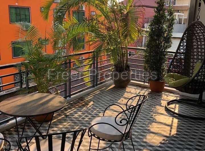 2 bedroom duplex apartment for rent Prampi Makara
