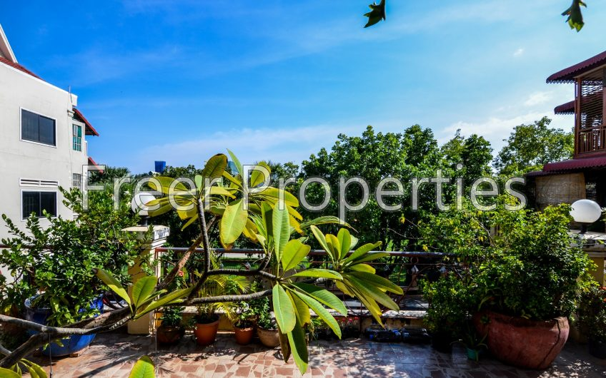 Khmer style studio apartment for rent with Royal Palace views